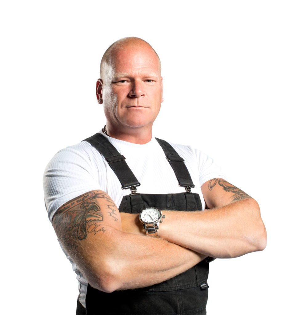MIKE HOLMES – PROFESSIONAL CONTRACTOR / TV HOST
